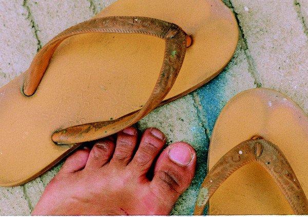 Tìm hiểu lịch sử những đôi dép Huyền Thoại tại Việt Nam