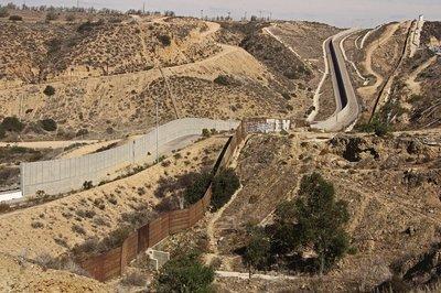 Khám phá những đường biên giới nguy hiểm nhất trên thế giới