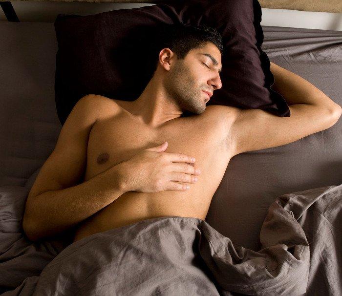 Cởi trần khi ngủ ư ? Bạn đã rước bệnh vào người