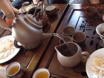 Hướng dẫn cách pha trà đúng cách để trà ngon hơn