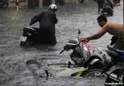 Hướng dẫn cách xử lý khi xe máy bị chết máy do Ngập nước