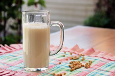 Những lý do mà bạn cần nên uống sữa đậu nành