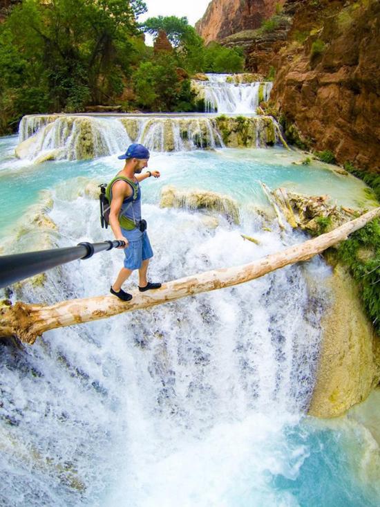 Hình ảnh tự sướng những nơi nguy hiểm nhất thế giới